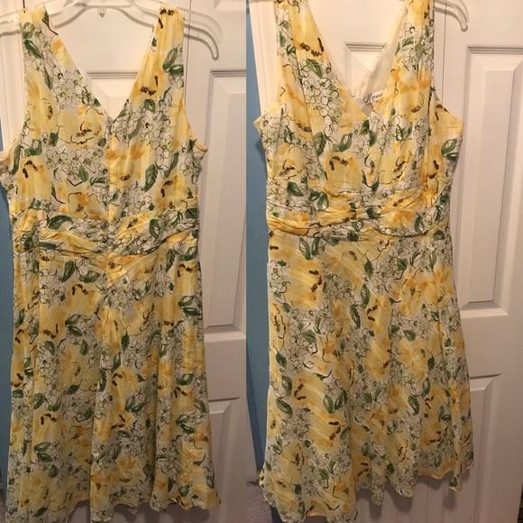 Dress Barn Dresses & Skirts - Yellow flowered dress